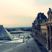 A moment of rest at Louvre